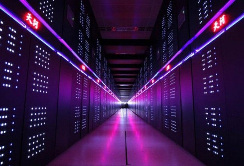 Источник: novate.ru Производительность современных суперкомпьютеров измеряется в петафлопсах — едини