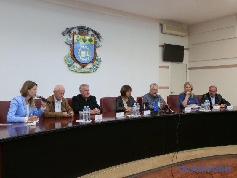 Евродепутат сообщила оневозможности проведения выборов вДонбассе