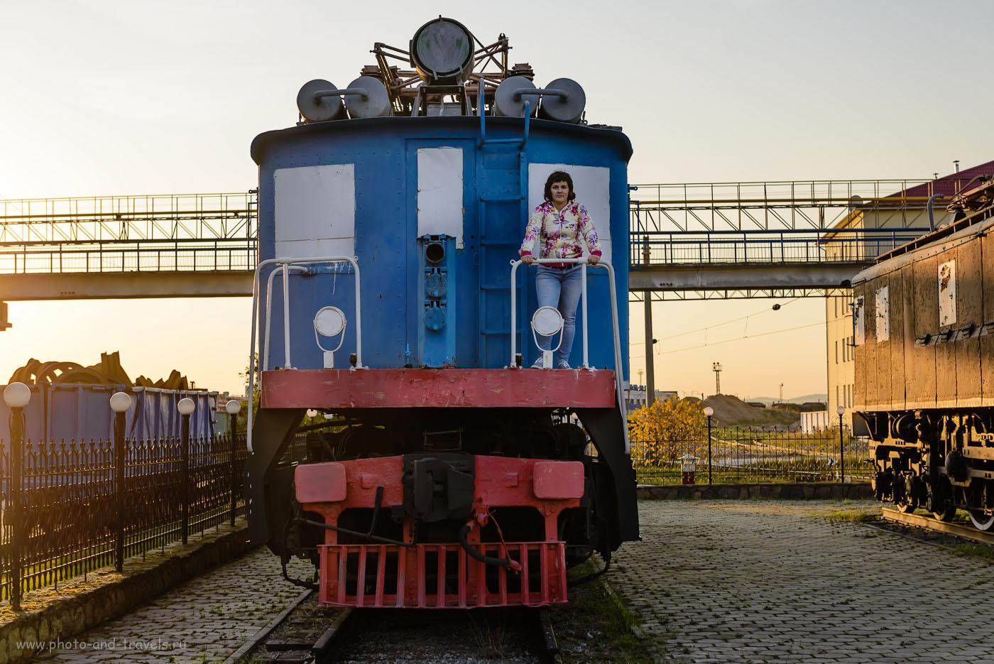 Фото 14. Экспозиция железнодорожной техники в Екатеринбурге. Туристам разрешено дотрагиваться до экспонатов. 1/250, -1.0, 4.5, 100, 50.