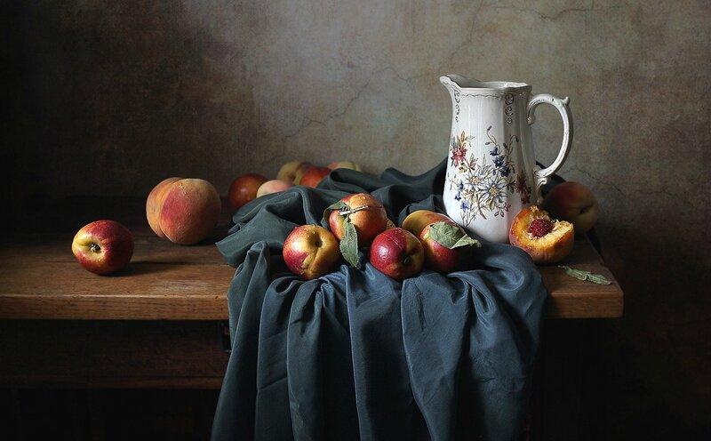 Нектарины и персики