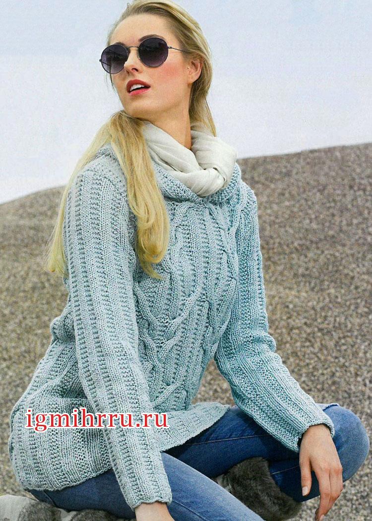 Голубой теплый пуловер из кос и резинки. Вязание спицами