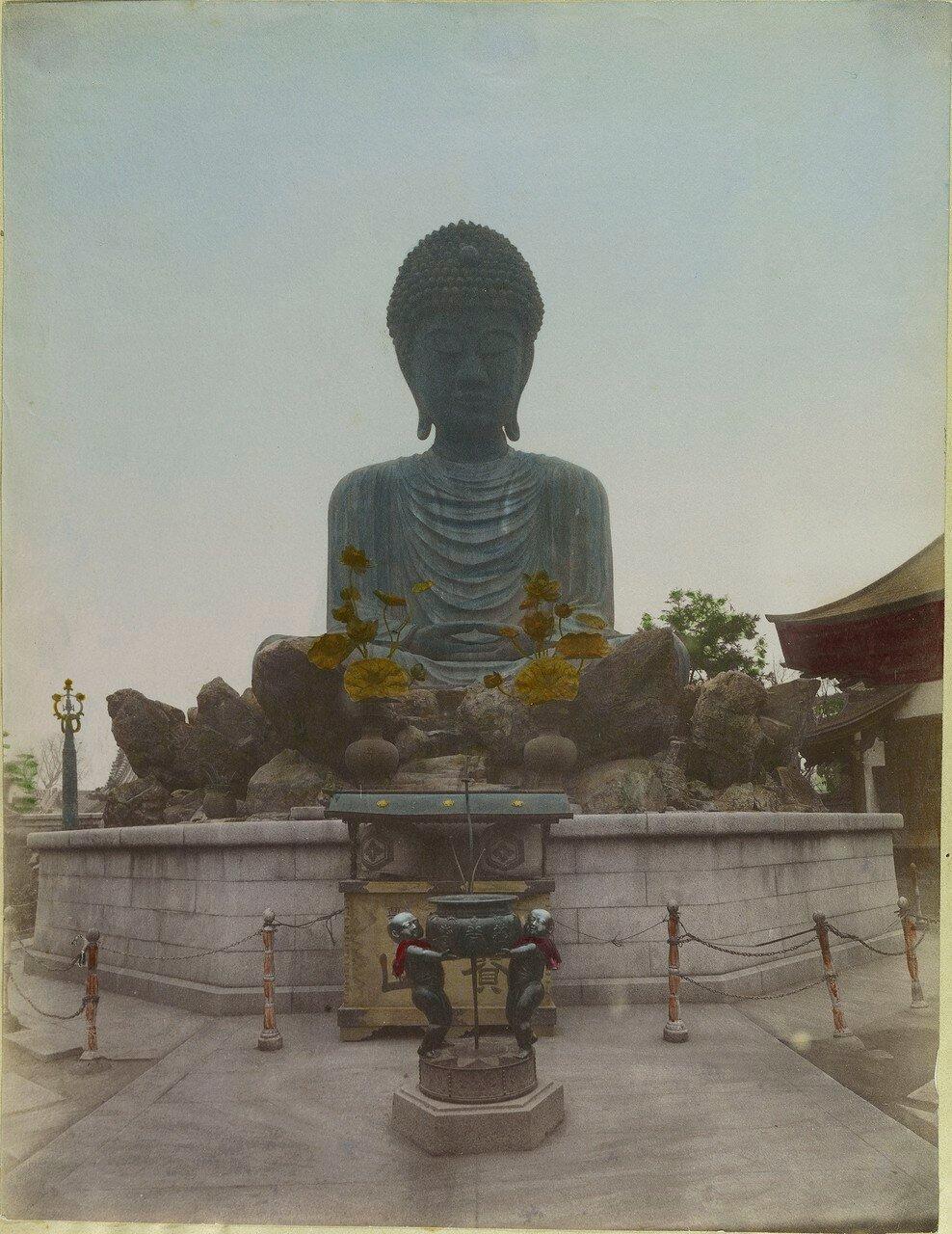 Кобе. Статуя Будды