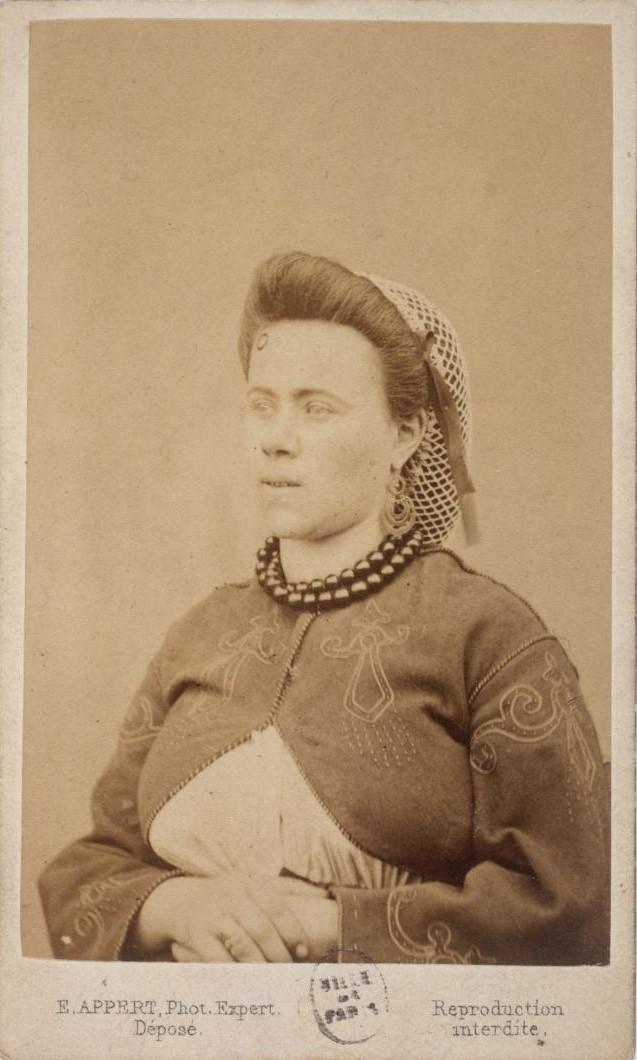 Портрет Анджелины Годен, доставленной в тюрьму Версаля