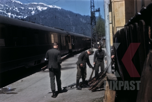 stock-photo-german-soldiers-surrendering-weapons-beside-general-albert-kesselrings-private-train-saalfelden-austria-1945-12787.jpg