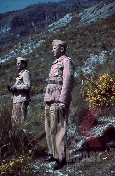 stock-photo-ww2-color-sicily-1943-bindewald-officer-tropical-uniform-flare-gun-training-luftlotte-8328.jpg