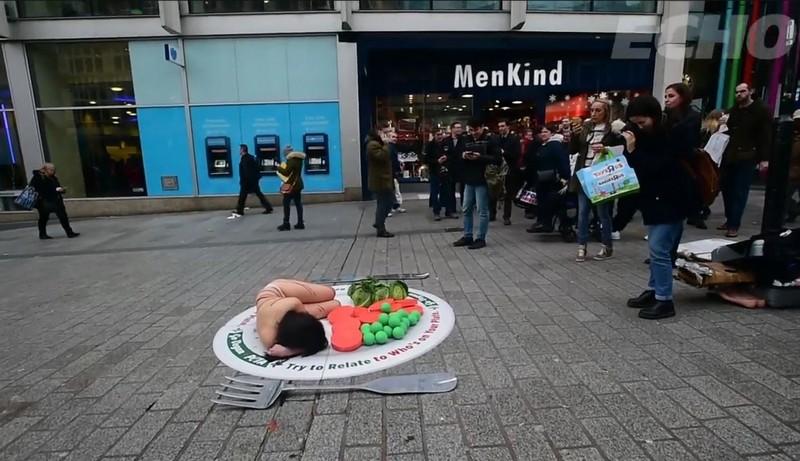 Голый протест против Рождественской индейки