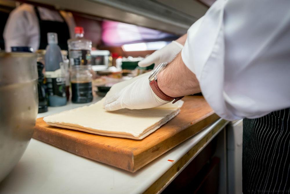 Для очистки совести мы привели ингредиенты этих блюд, однако предупреждаем: НЕ ПЫТАЙТЕСЬ ПРИГОТОВИТЬ