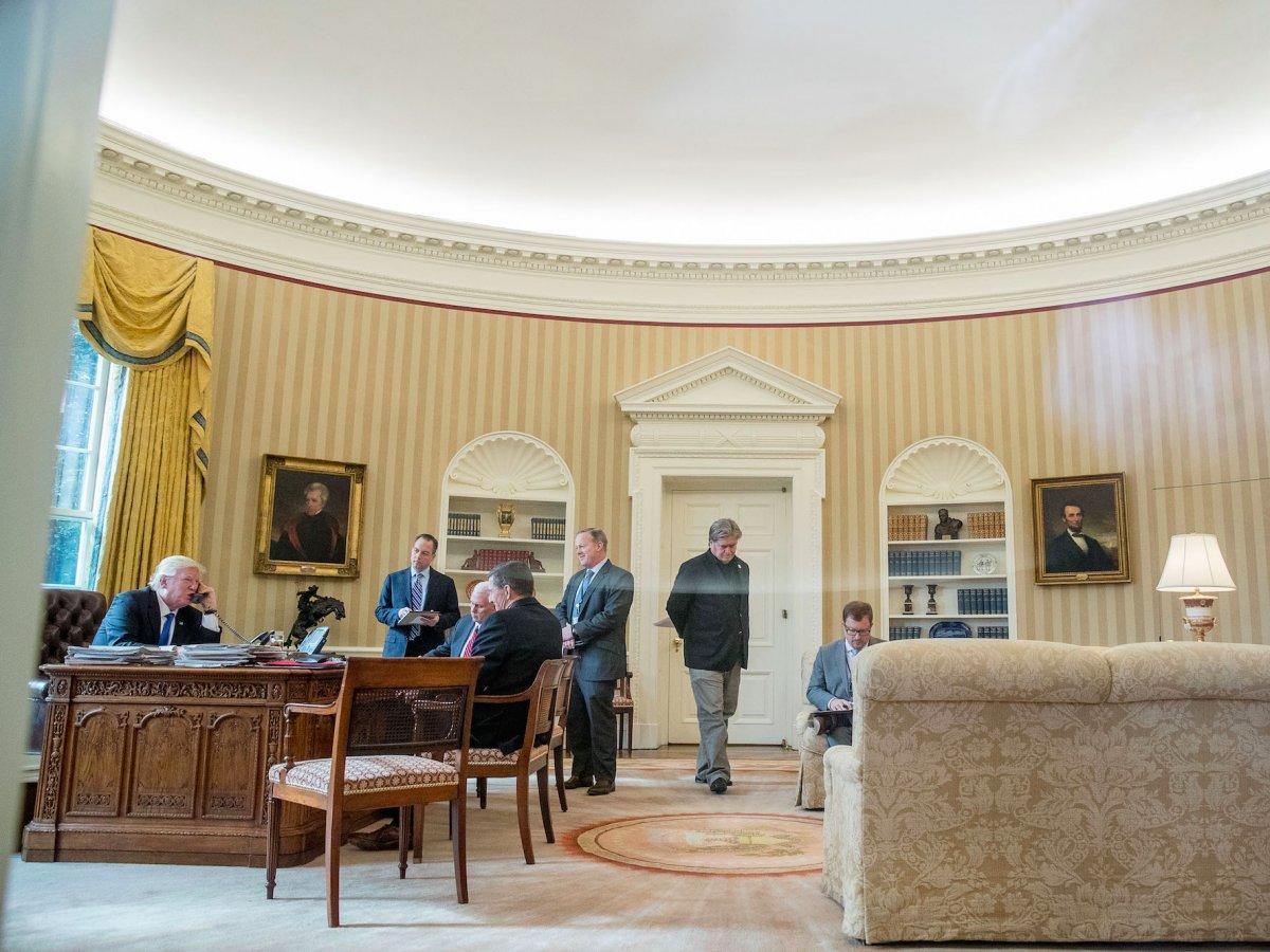 Белый дом в Вашингтоне является чуть ли не самой известной резиденцией президента в мире (возможно,
