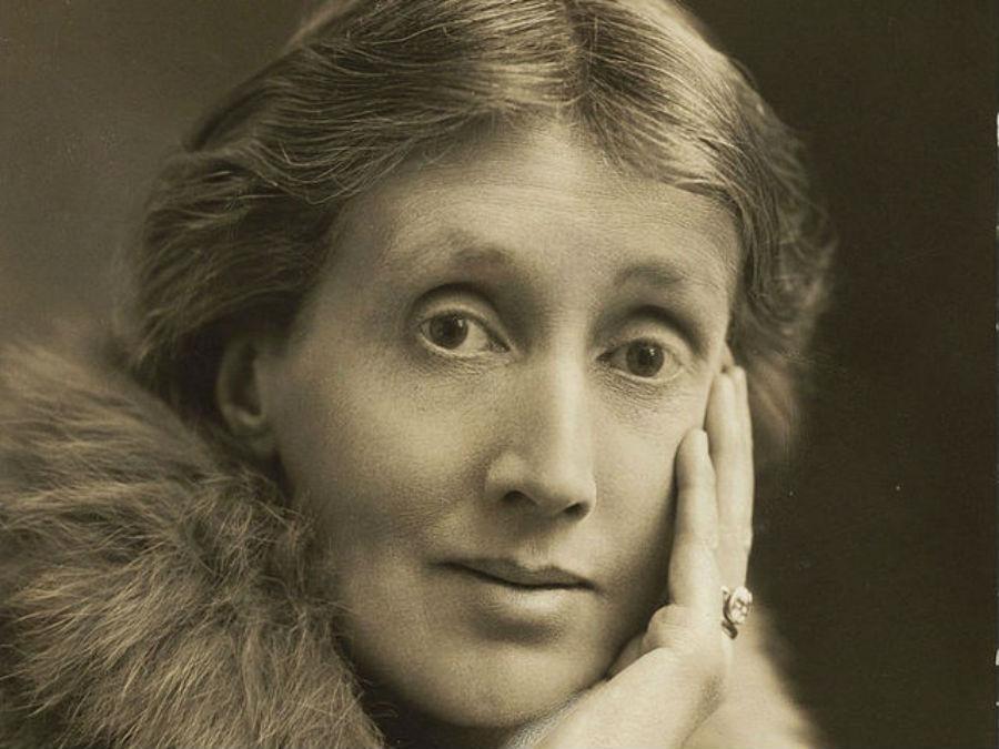 Вирджиния Вульф — британская писательница и литературный критик, ведущая фигура модернистской литера