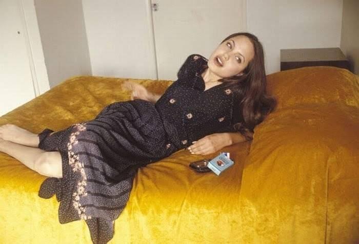 Молодая Анджелина Джоли