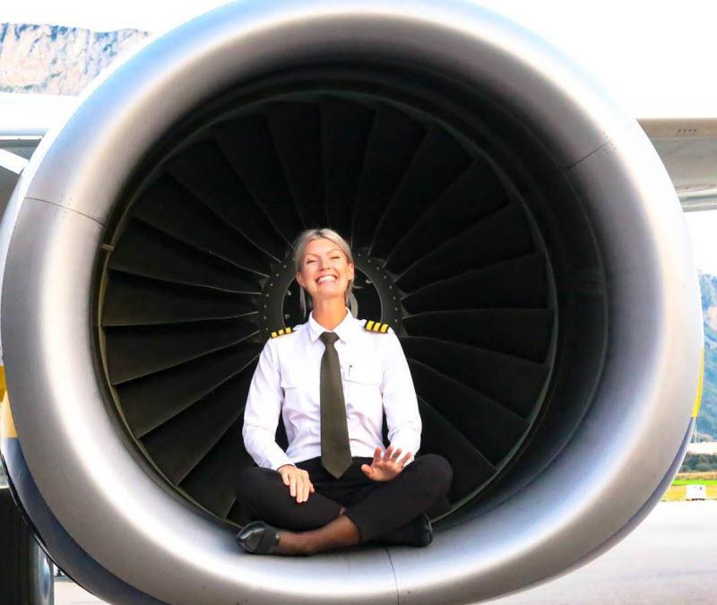 Мария Петтерссон — гламурная девушка-пилот Boeing 737