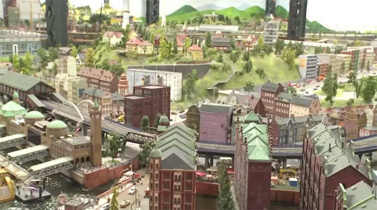 MiniView - Google has created a Street View of the world's largest railway model!