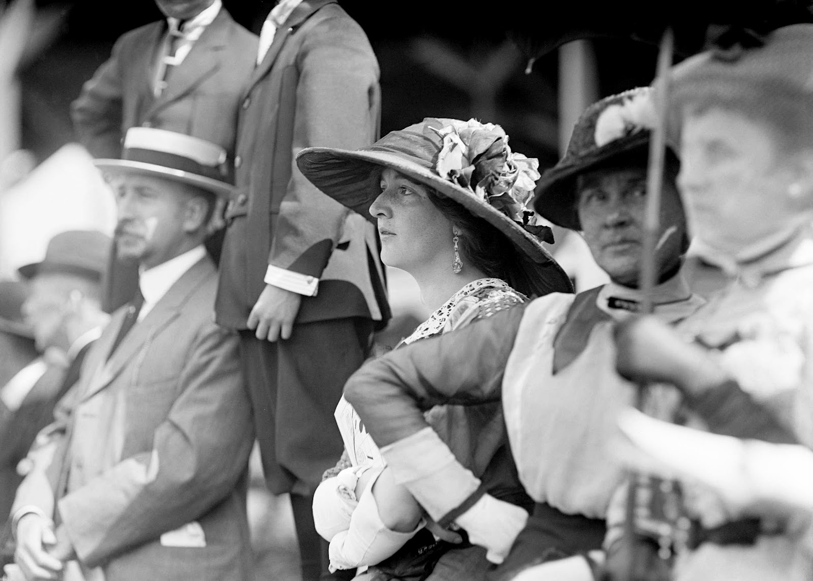 Harris & Ewing - Miss Gladys Hinckley at the horse show, 1913.jpg