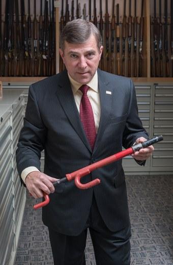 guns-bureau-gq-0916-xtra-04.jpg