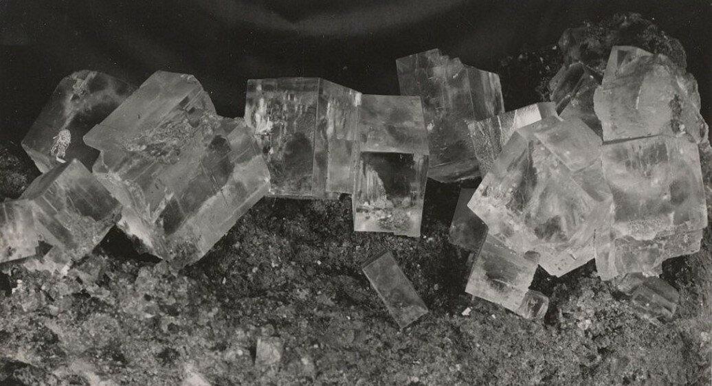 1932. Кристаллы