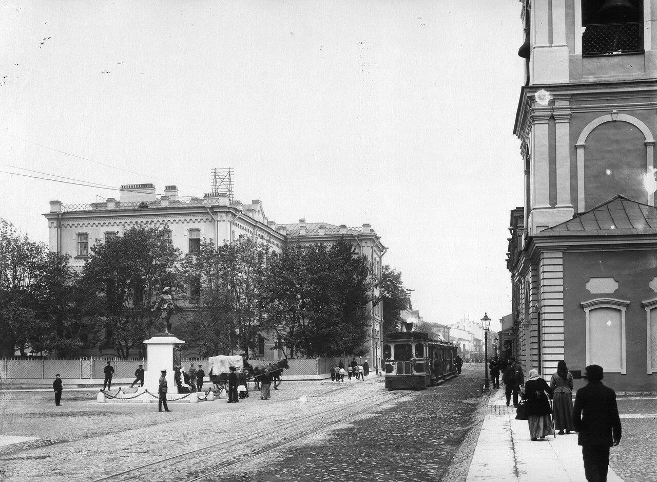 Памятник Петру I на Большом Сампсониевском проспекте. 1909