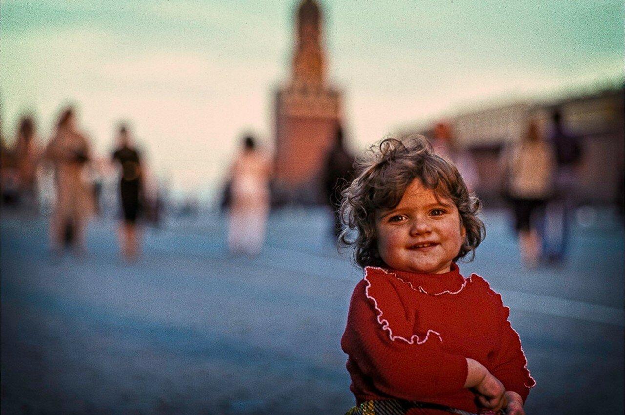 Москва. Ребенок на Красной площади