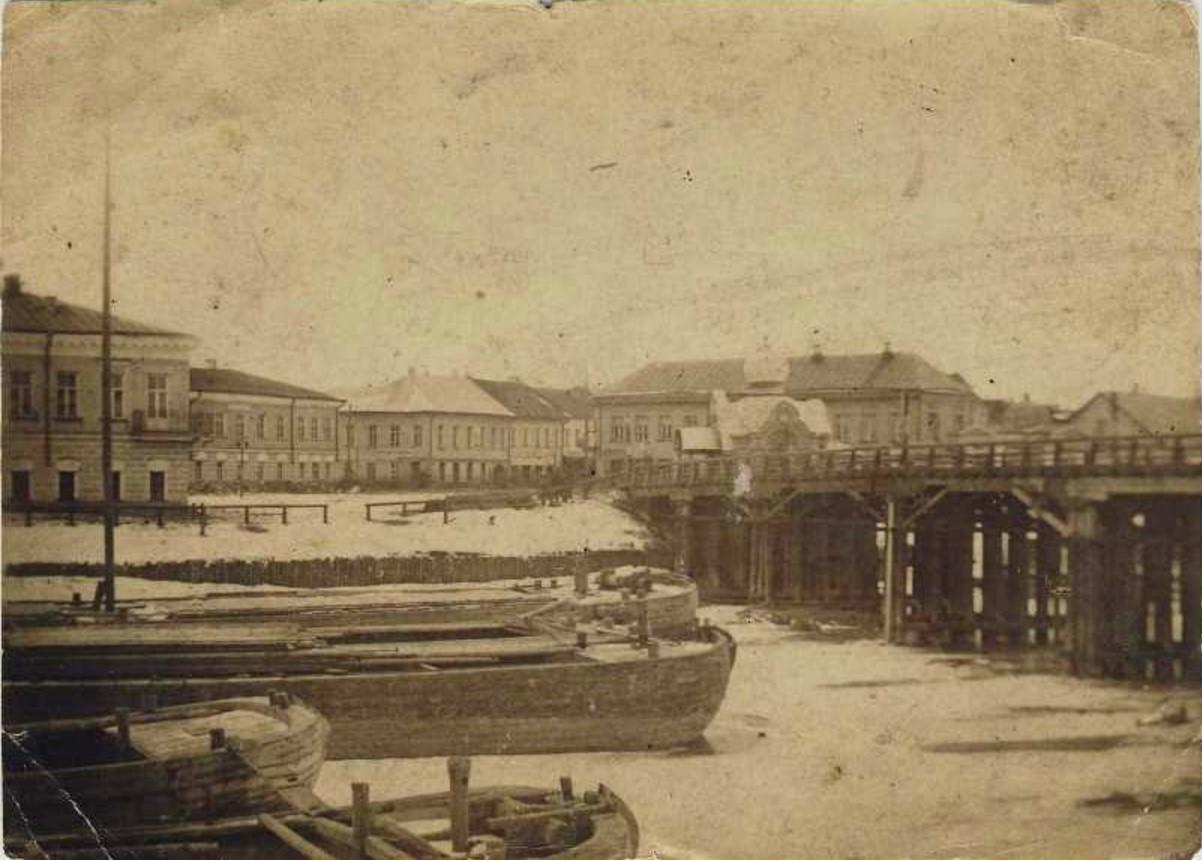Часовня Александра Невского и Живой мост. 1885