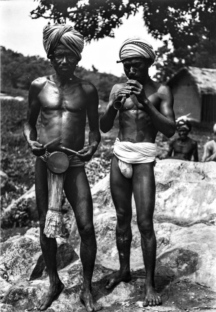 671. Орисса. Двое мужчин с музыкальными инструментами