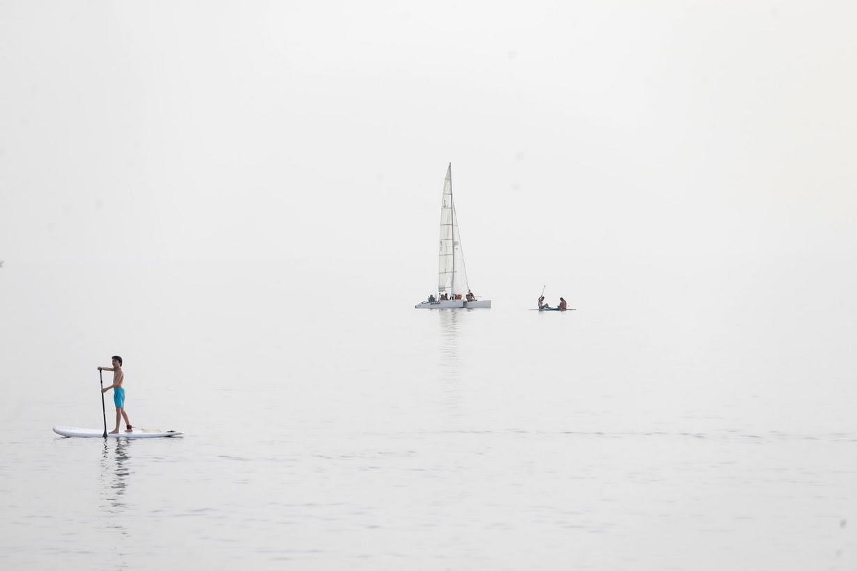 Туманные дни на пляже