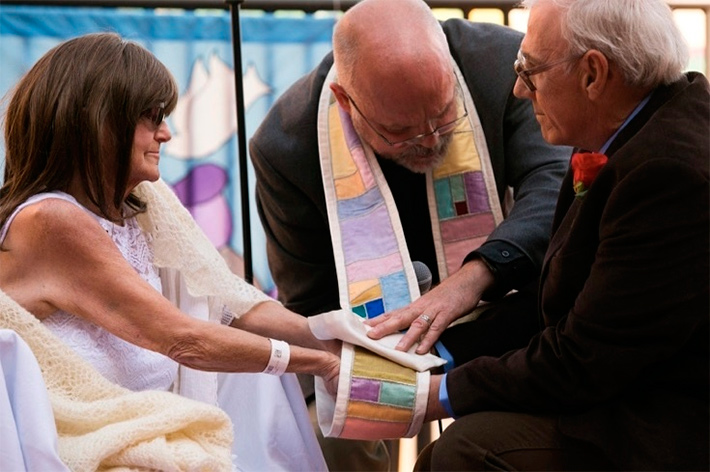 Свадьба не по шаблону: идеальная глава 47-летней истории любви