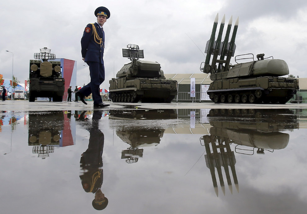 8. Российские военные борются с пожарами в 100 км от Москвы, 6 августа 2010. (Фото Denis Sinyak
