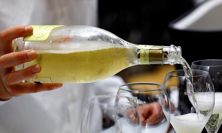 Вино высшего света (1 фото)
