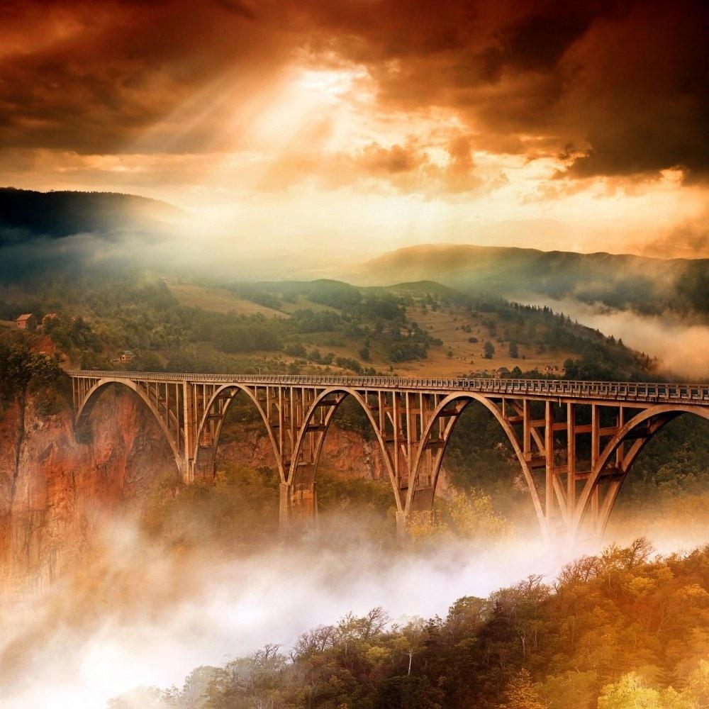 Автомобильный мост Джурджевича через реку Тару. Тем, кто боится высоты, здесь лучше не смотреть вниз