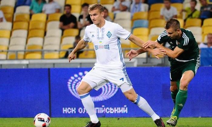 Нескольким клубам привлекателен Гладкий: нападающего «Динамо» сватают вТурцию