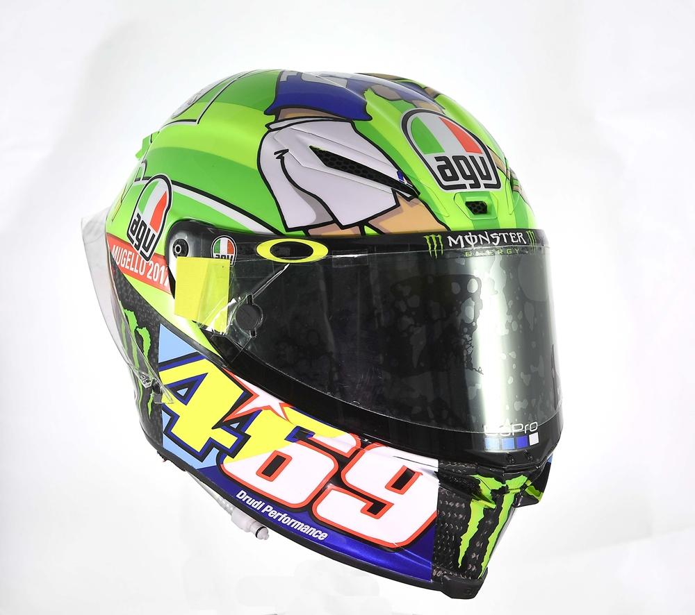 Шлем AGV Pista GP R, который Валентино Росси носил в Муджелло