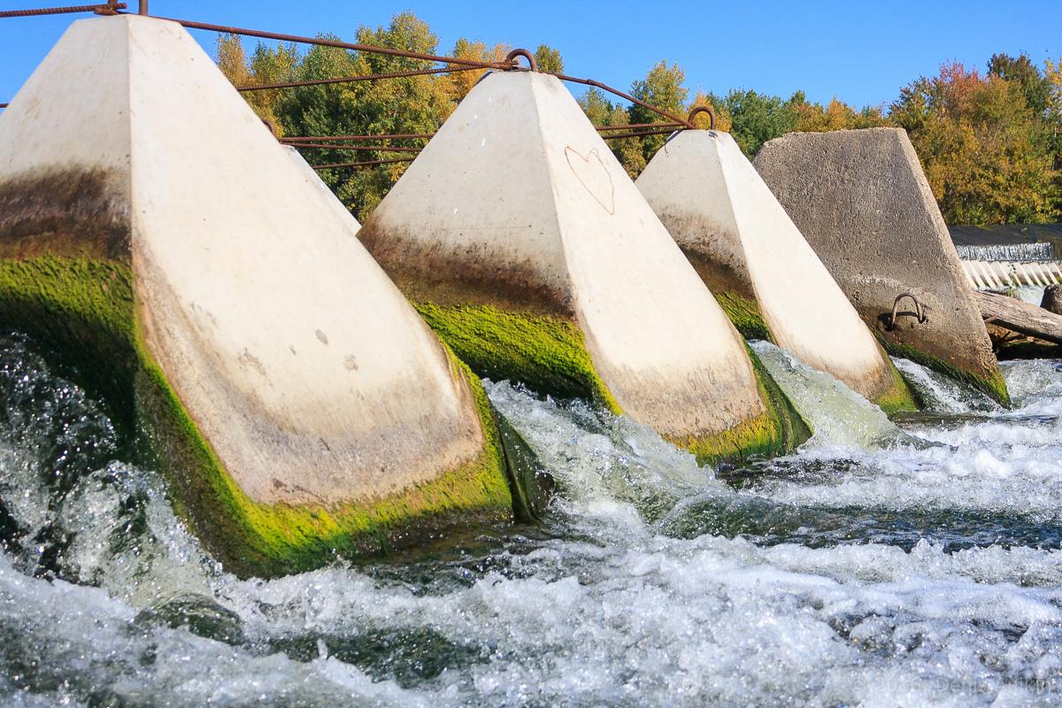 Переливная плотина на реке Большой Иргиз 6