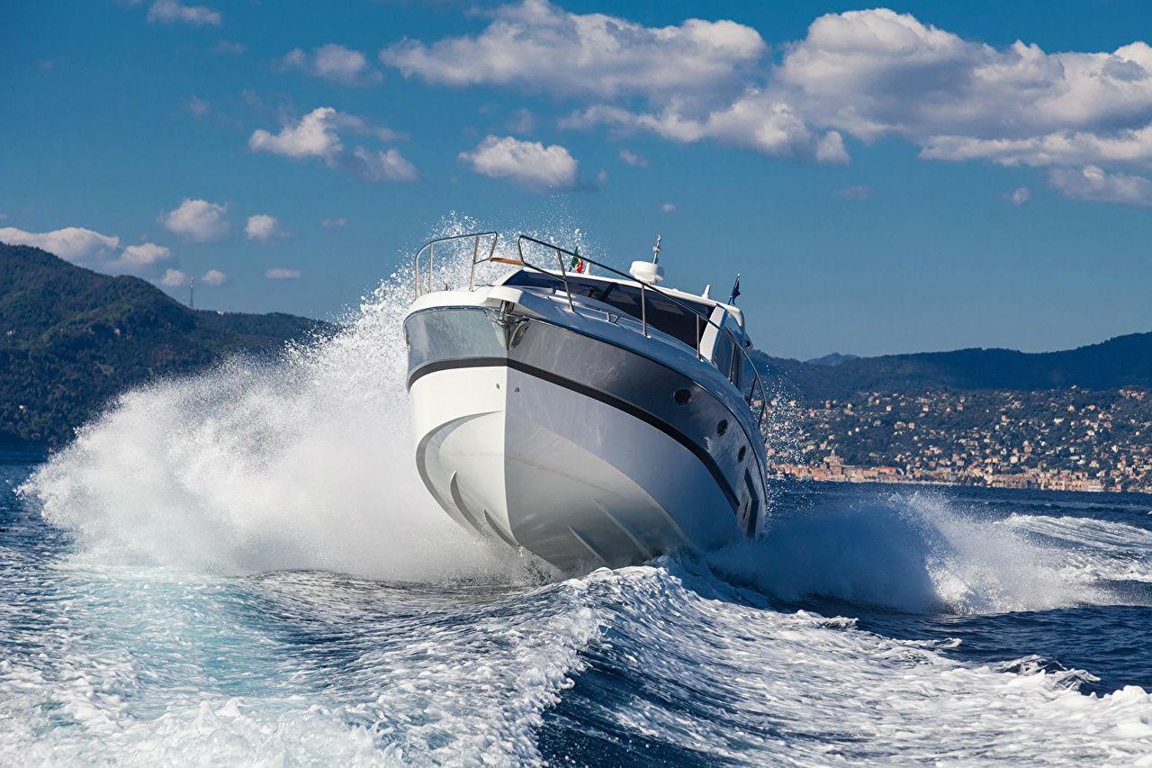 Как купить яхту через брокера