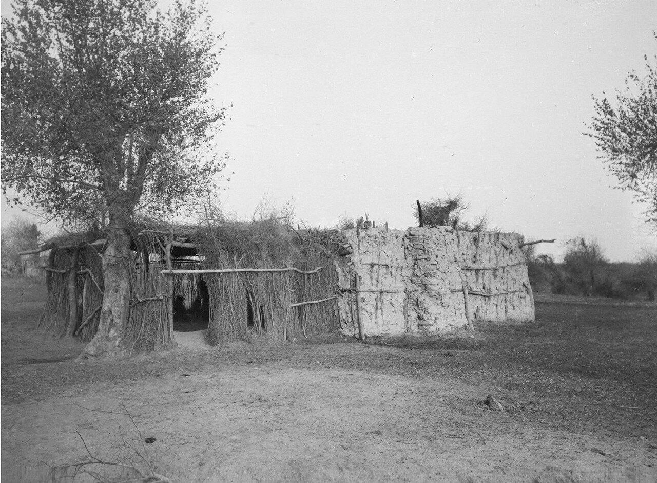 Окрестности Кашгара. Махалля («перевалочная станция») в селе Хотан Кимасси между Яркенд-дарьей и Аксу-дарьей