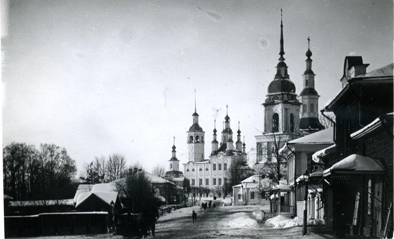 Церковь Параскевы Пятницы (1792 г.), Рождества Христова (1745-1791 гг.) и Входоиерусалимская Николаевская (1790 г.)