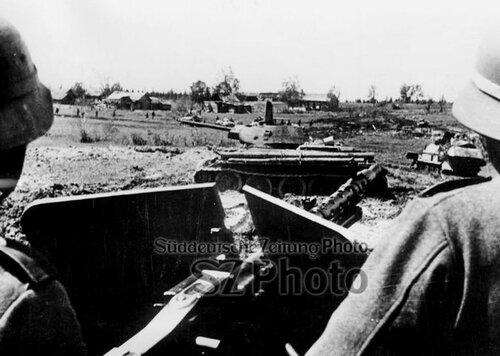 Танк Т-34 обр. 1941 г. подбитый в р-не Ржева. 22 июля 1942 года.
