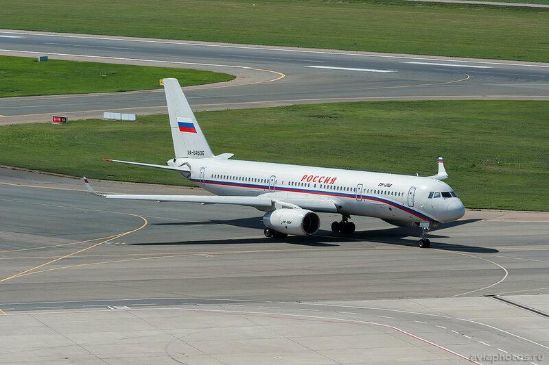 Туполев Ту-214 (RA-64506) Россия D703434