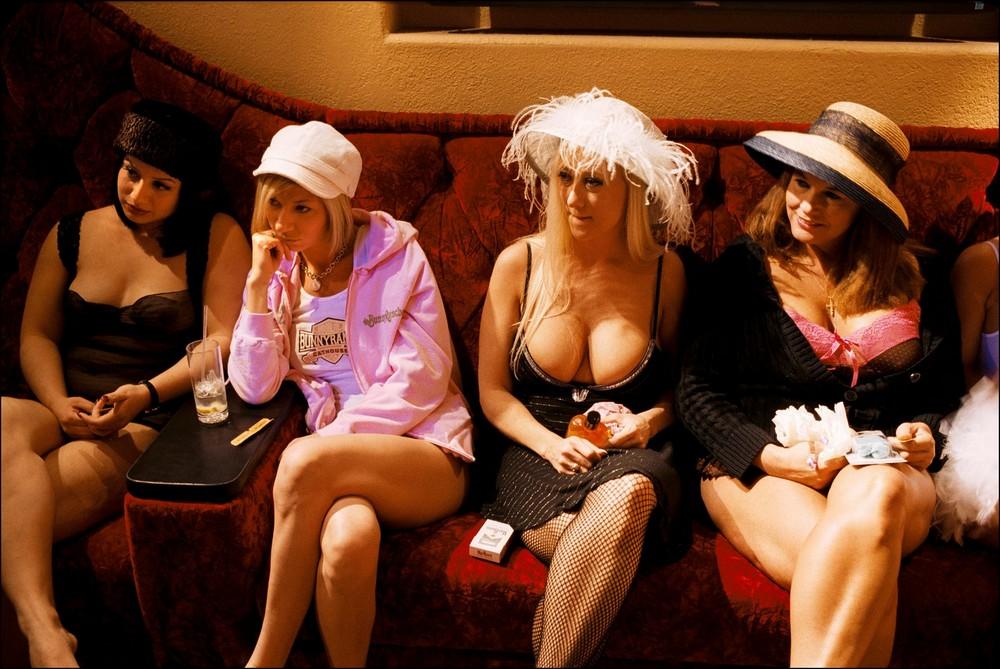 Проституткой разговор старые проститутки тюменьа