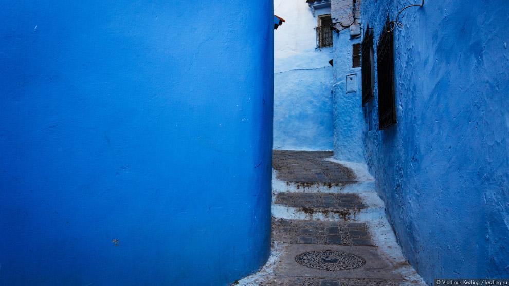 15. Со временем традиция вышла за рамки еврейской общины, и в синий стали выкрашивать всё подря