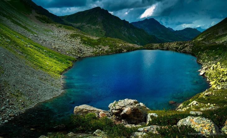 Фотографии Ильи Степанова   1. Может быть не в самом озере, а в том, что его окружает стоит