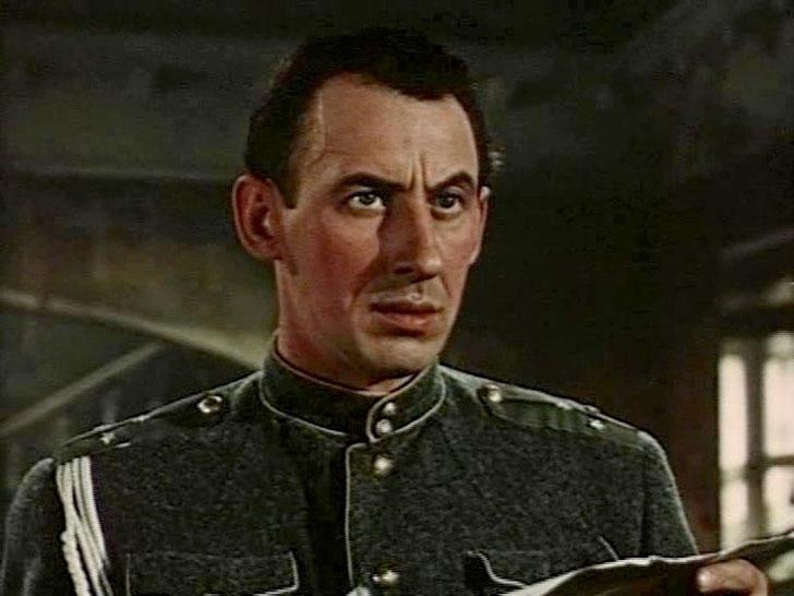 Владимир Басов, 1954, «Школа мужества» — поручик.