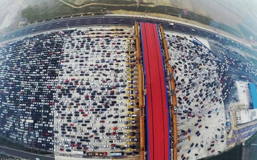 5. В этом году в Китае был побит рекорд по количеству автомобилей на дорогах страны.