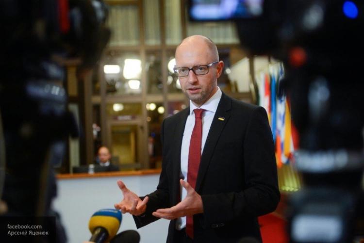 Яценюк не хочет возглавлять НБУ
