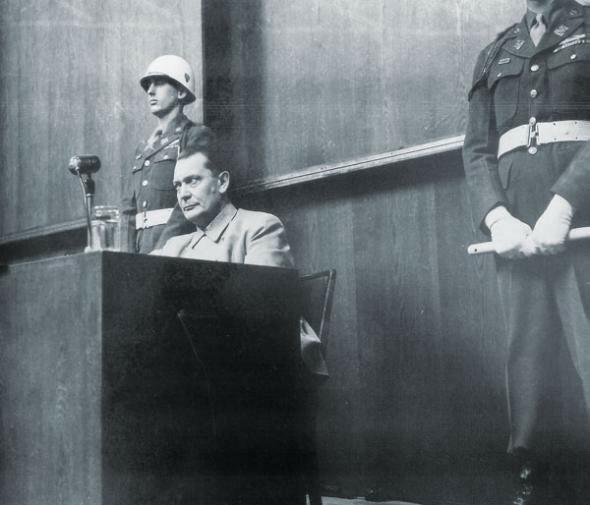 Герман Геринг на Нюрнбергском процессе. Фото - Евгений Халдей