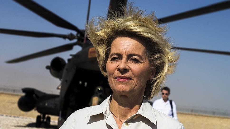 Урсула фон дер Ляйен занимает пост министра обороны Германии с 17 декабря 2013 года