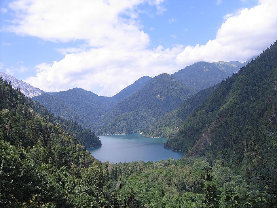 Озеро Рица (Lake Ritsa) Абхазия.