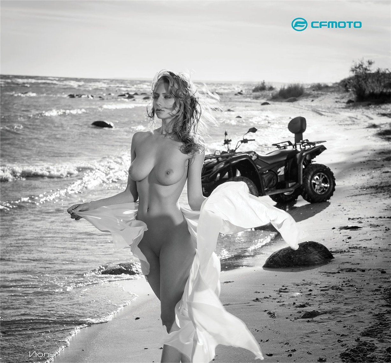 эротический календарь CFMoto на 2016 год - квадроциклы и мототехника