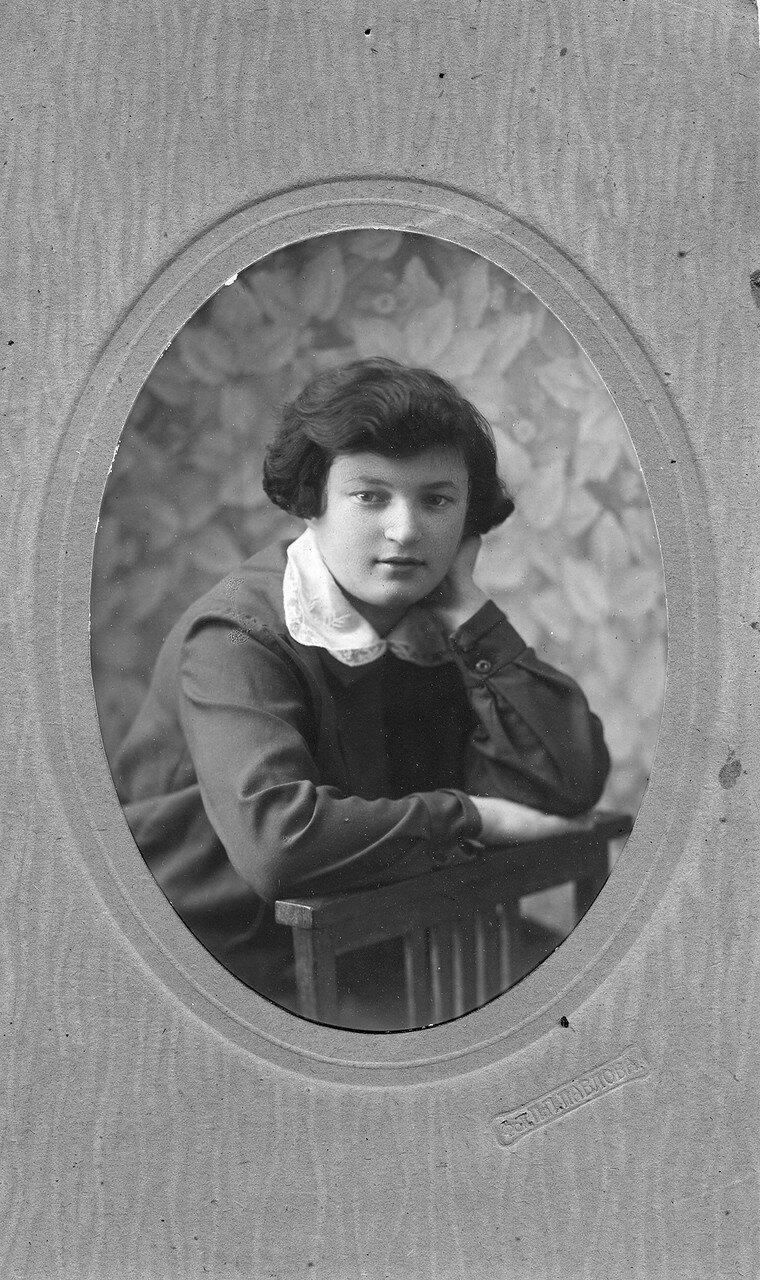 1924. Берта Лясс