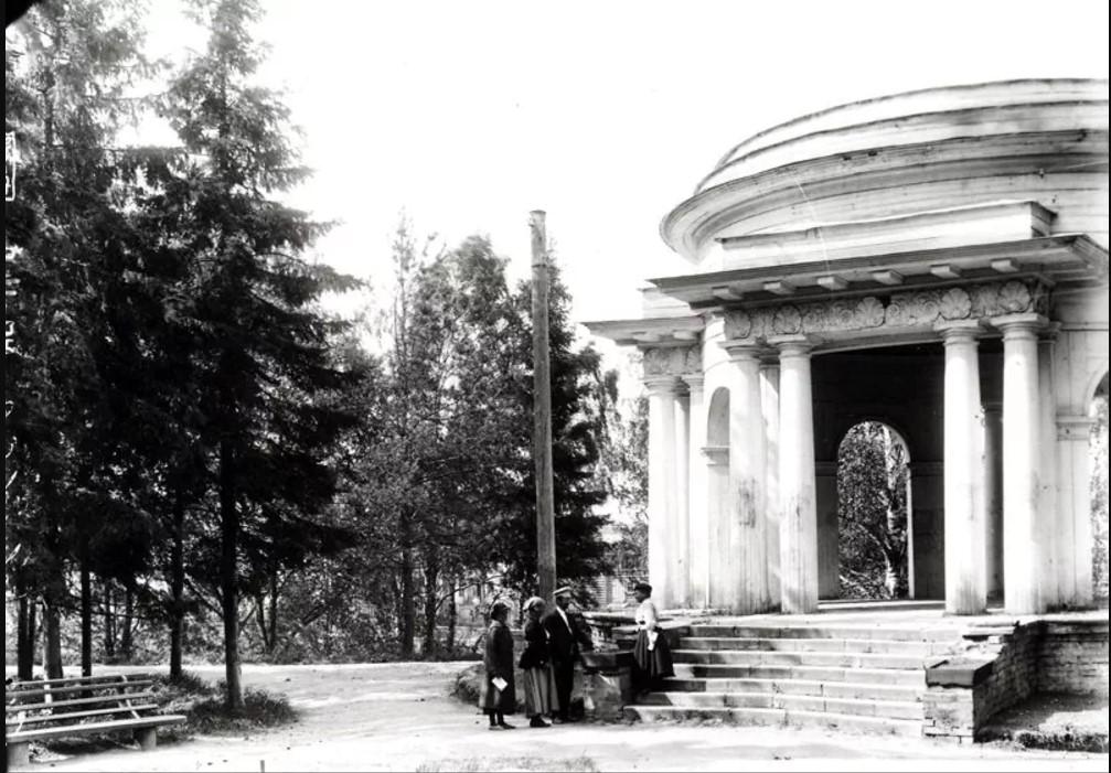 Александровский сад. Павильон