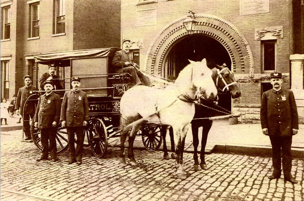 Police-Wagon 4 in 1890s.jpg