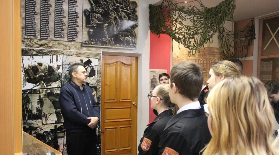 Подшефный кадетский класс Росгвардии посетил музей истории УМВД России по Калужской области